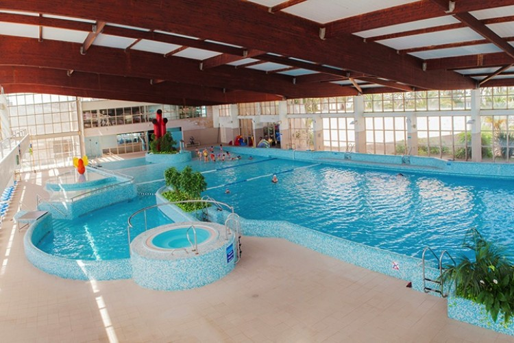 Esposende2000 actividades desportivas e recreativas em for Piscina onda
